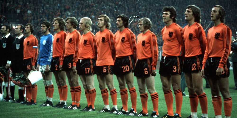 Johann_Cruyff_Holland_Netherlands_1974_World_Cup_Team_Adidas_Two_Stripes